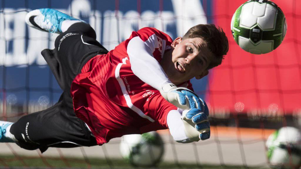 Geburtstagskind Gregor Kobel wird morgen mit der TSG Hoffenheim zu seiner Europa-League-Premiere kommen.
