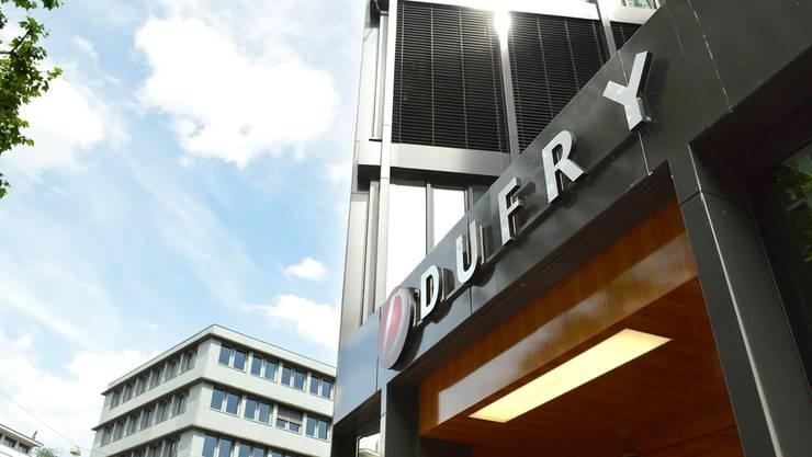 Der Dufry-Hauptsitz am Brunngässlein in Basel. (Archiv)