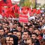 Die Demonstranten in Pristina forderten vor allem, dass es keinen Gebietstausch zwischen Serbien und dem Kosovo geben dürfe. Eine solche Lösung hatten Kosovo-Präsident Thaci und sein serbischer Amtskollege Vucic überlegt.