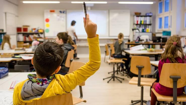 Ist der Lehrplan 21 kostenneutral einzuführen? Zwischen der Aargauer Regierung und den Lehrern ist der Streit vorprogrammiert.