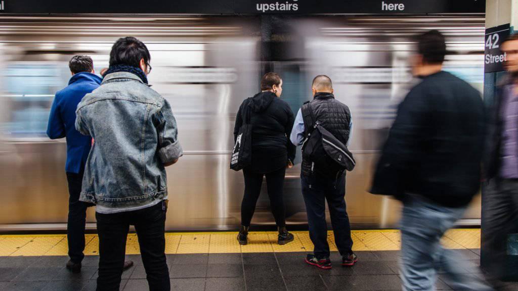 Vom Stromausfall in New York betroffen waren auch mehrere U-Bahnstationen. (Archivbild)