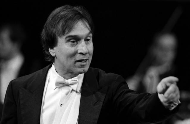 1969 wurde Abbado bei der Mailänder Scala angestellt. 1971 übernahm er die Leitung.