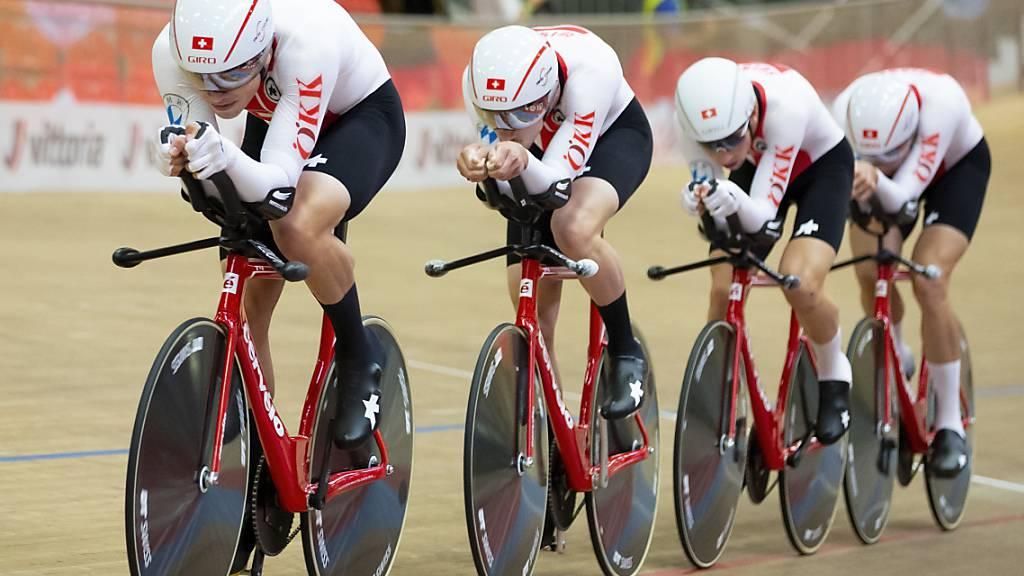 Claudio Imhof, Valère Thiébaud, Alex Vogel und Simon Vitzthum gewinnen an der EM in Grenchen die Silbermedaille