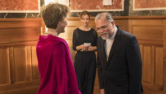 Der iranische Botschafter in der Schweiz, Haji Karim Jabbari, bezeichnet die Rolle der Schweiz im Konflikt zwischen den USA und Iran als sehr nützlich. Im Bild: Bundespräsidentin Simonetta Sommaruga empfängt Irans Botschafter beim Neujahrsempfang 2020. (Archivbild)