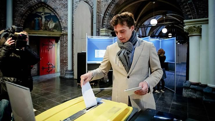 Wahlgewinner Thierry Baudet bei der Abgabe seiner Stimme in Amsterdam.