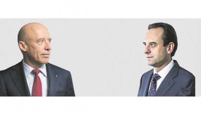 Nächster Vorstoss: Patrik Gisel, Chef der Raiffeisenbank, scheiterte beim ersten Versuch an Finma-Direktor Mark Branson (rechts). Foto: Heller/Iseli