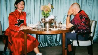Charlotte Roche spricht mit ihrem Ehemann Martin Kess im Podcast über Eifersucht, flotte Dreier und vor allem sich selbst. Filiz Serinyel Photography