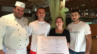 Die neuen Wirte (v.l.): Mehmet Döner (Koch und Cousin), Ergün Inik (Bruder), Elif Ertas, Eren Ertas (Ehemann).Melanie Eichenberger