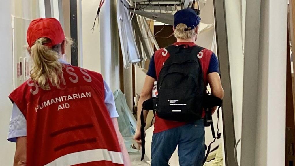 Die Schweiz schickte nach der Explosionskatastrophe in der Stadt Beirut vom Dienstag zwei Expertenteams in den Libanon.