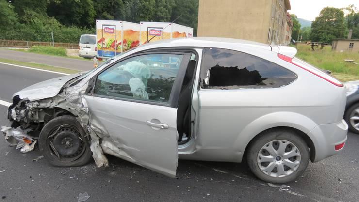 In diesem Ford geriet ein 27-jähriger Deutscher wegen eines Sekundenschlafs auf die Gegefahrbahn und kollidierte mit einem Lieferwagen.