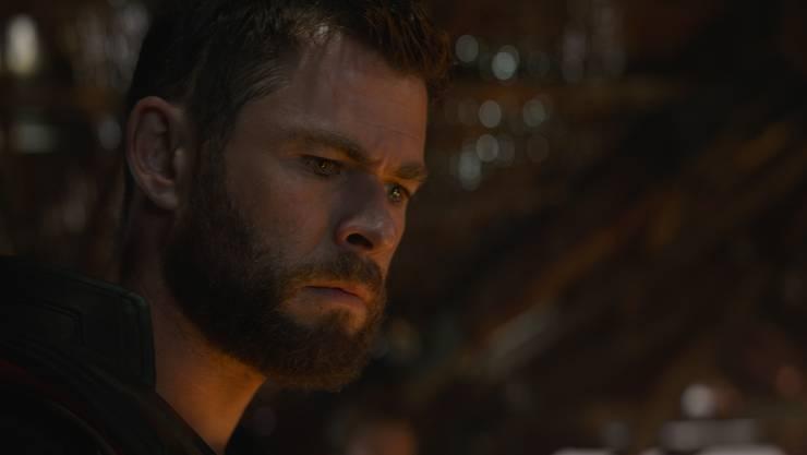 Thor (Chris Hemsworth) glaubt, die Niederlage sei ganz alleine seine Schuld. Er hatte schon immer einen Gottkomplex.