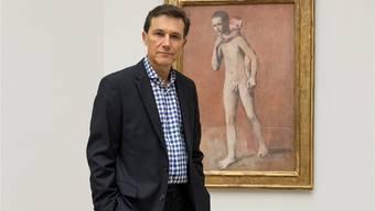 Josef Helfenstein vor einem seiner Lieblingsbilder, den «beiden Brüdern» von Pablo Picasso.