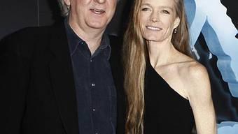 James Cameron mit seiner Frau Suzy Amis bei einer Avatar-Premiere