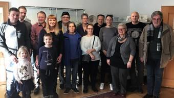 Einige der Matzendörfer Neuzuzüger mit Gemeindepräsident Marcel Allemann (3.v.l.)