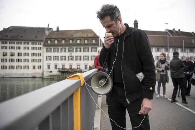 Rundgang mit Künstler Max Erbacher (im Bild)