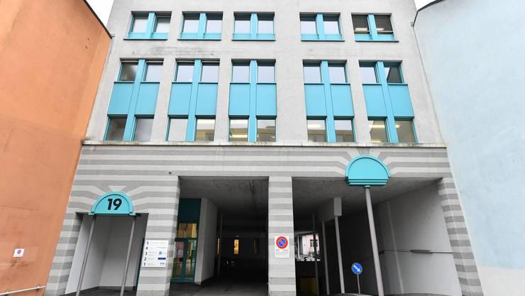 Im Innenbereich dieses Gebäudes an der Jurastrasse kam es zum Überfall.
