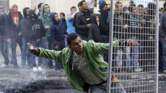 Aufruhr in Hebron nach dem Tod eines jungen Palästinensers in israelischer Haft