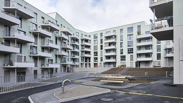 110 gemeinnützige Wohnungen werden vom Zürcher Stadtrat subventioniert. Für drei Projekte gewährte er 9,9 Millionen Franken. (Archivbild)