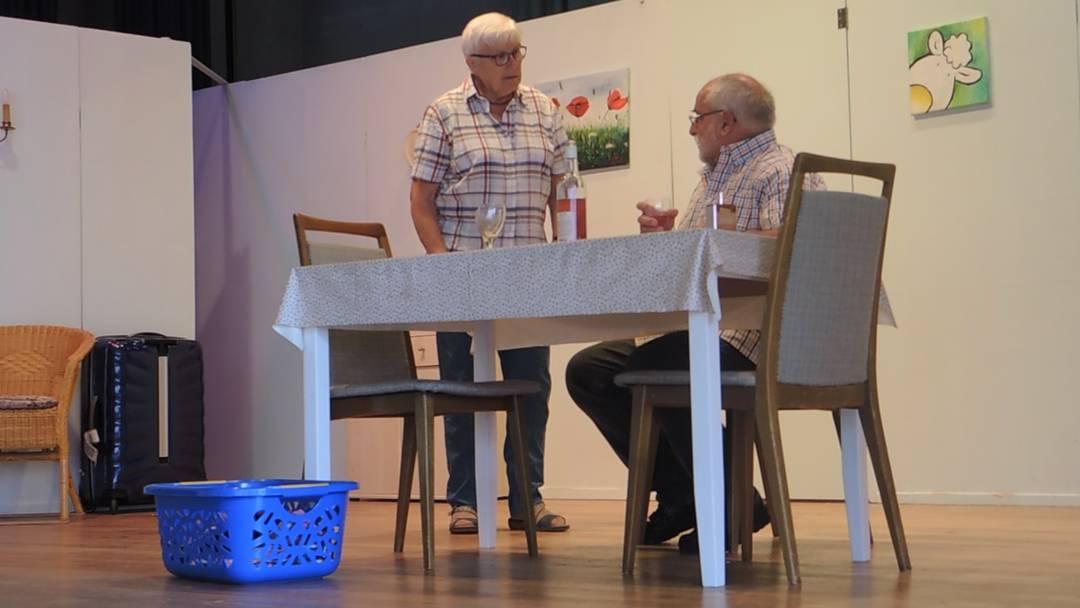 La troupe de théâtre «Herbschtrose» en répétition pour sa pièce actuelle «D Geischter vom Lindehof»