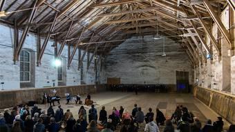 Die «Alte Reithalle» hat als Ort für kulturelle Veranstaltungen – hier ein Auftritt des Kammerchors C21 einen grossen Charme – Ende Juni soll sie saniert werden.