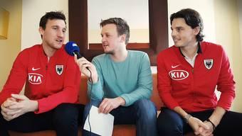 Michael Siegfried (links) und Pascal Thrier (rechts) sagen AZ-Sportredaktor Sebastian Wendel (Mitte), was sie übereinander zu wissen glauben.