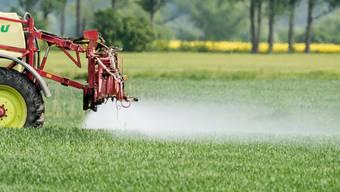 Der Einsatz von Pestiziden in der Landwirtschaft ist umstritten.