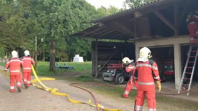 Die Feuerwehr Geroldswil-Oetwil übte gestern auf dem Hüttikerberg den Ernstfall.
