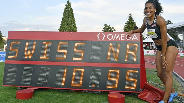 Mujinga Kambundji ist an den nationalen Meisterschaften in Zofingen über 100 m als erste Schweizerin unter elf Sekunden geblieben.