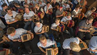 Das Eidgenössische Volksmusikfest in Aarau zog im September vergangenen Jahres gegen 100'000 Besucherinnen und Besucher an. (Archivbild)