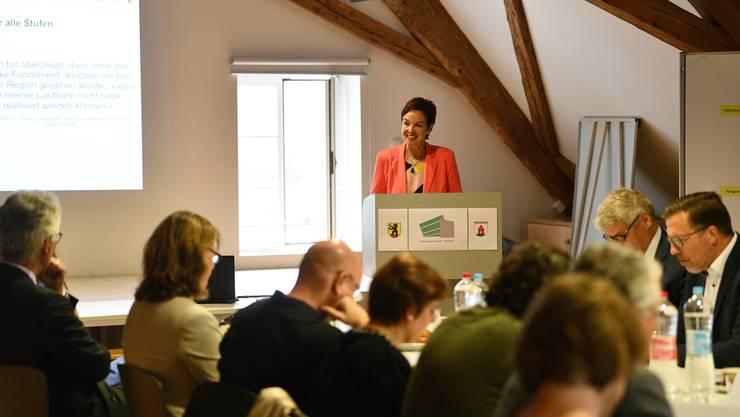 Die Baselbieter Regierungsrätin war am ersten Schultag in Arisdorf zu Gast.