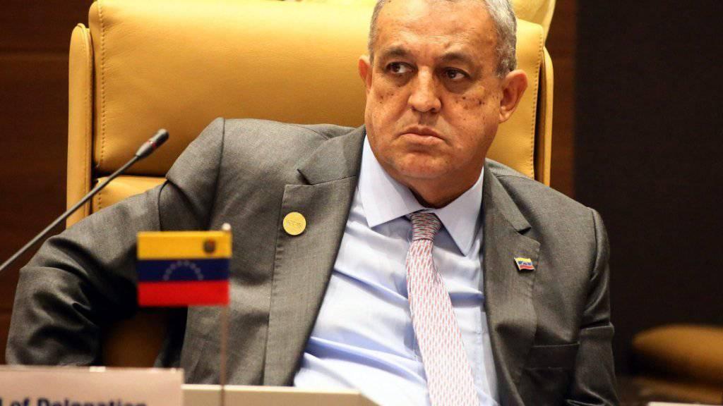 Ihn trifft die Misere beim staatlichen Erdölkonzern direkt: Venezuelas Ölminister Eulogio Del Pino. (Archivbild)