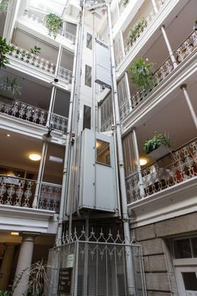 Dieser Lift in der «Blume» wurde 1948 eingebaut, nicht im 19. Jahrhundert.