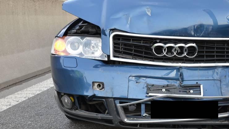 Der 18-Jährige Audi-Fahrer verursachteeine Auffahrunfall, weil er am Steuer eingenickt sein dürfte. (Symbolbild)