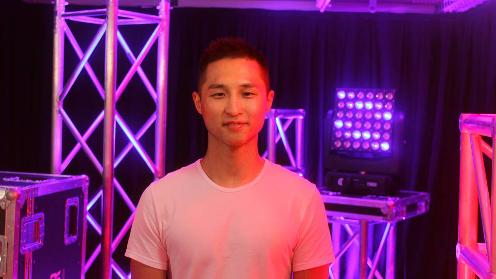 Yazhou Li