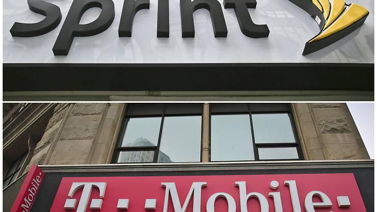 Eine Tochtergesellschaft der Deutschen Telekom, T-Mobile US, und die Firma Sprint sind bei ihrer Fusion in den USA wieder ein Stück vorangekommen. (Archivbild)