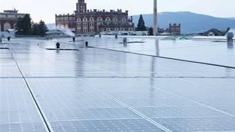 Die Solarmodule auf einer Fläche von gut 23 000 Quadratmetern liefern seit dem 17. Dezember 2013 Strom.