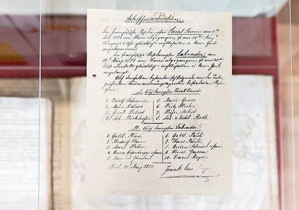 Es gibt viel zu entdecken, beispielsweise alte Reisedokumente.