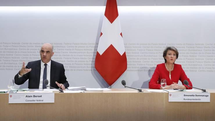 Der Gesundheitsminister Alain Berset und die Bundespräsidentin Simonetta Sommaruga (beide SP) waren während der Krise gefordert.