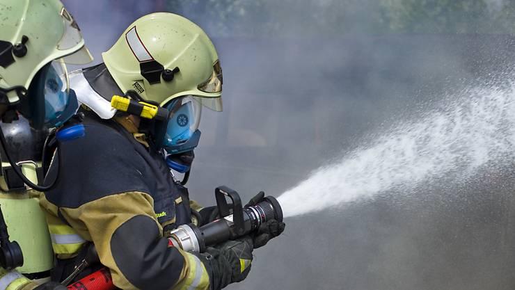 Wer zur Feuerwehrübung unentschuldigt fernbleibt, wird gebüsst. (Symbolbild)