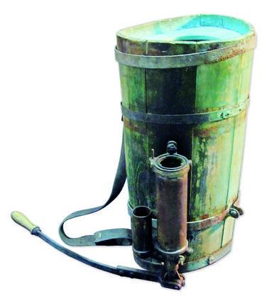 Erstes Rückensprühgerät von 1889 der Firma Birchmeier Sprühgeräte AG.