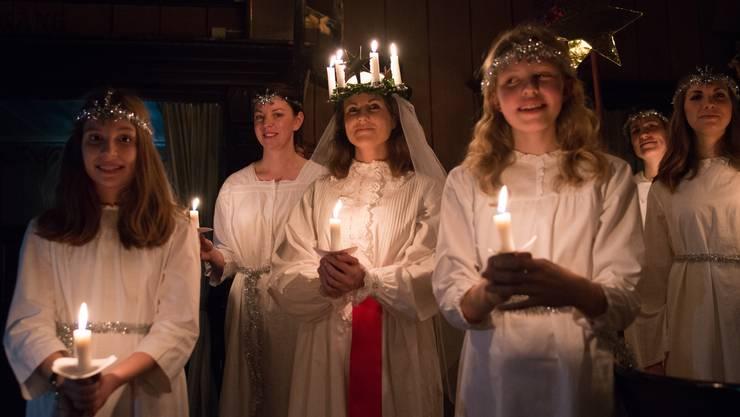 Schwedische Mädchen träumen davon einmal die Lucia sein zu dürfen, um im Mittelpunkt des Tages zu stehen.