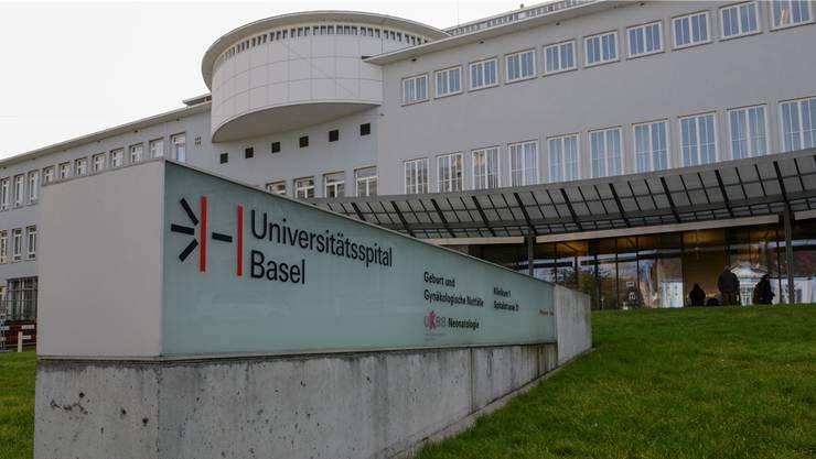 Die Chirurgie 6.2 des Unispitals war die erste Abteilung, bei der «Lean Management» mit dem Laptop-Wagen 2014 eingeführt wurde.