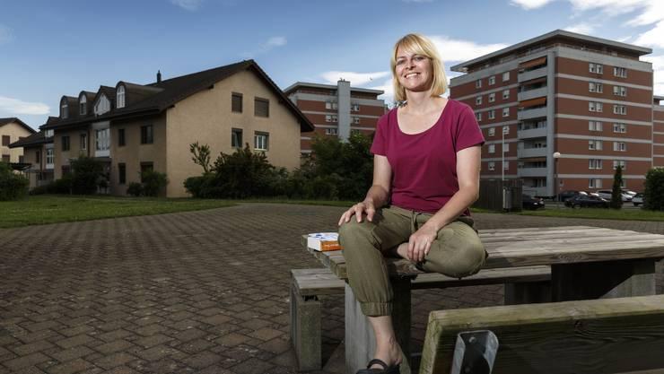 Die in Zuchwil lebende Deborah Tschickardt schreibt unter dem Künstlernamen Deborah N. May. Sie setzt auf eigene Kräfte und hat Erfolg damit.