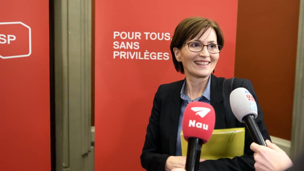 Regula Rytz, Bundesratskandidatin der Grünen, vor dem Hearing in der SP-Fraktion.