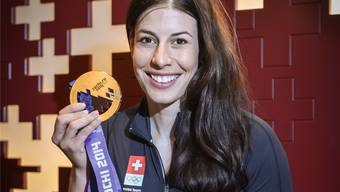 Gold nach neun Knieoperationen: Dominique Gisin nach der Rückkehr aus Sotschi.