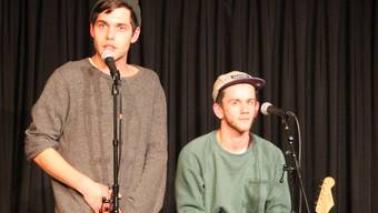 Sie sprechen über die Hoffnungen und Sorgen ihrer Generation: Laurin Buser (links) und Jonas Darvas.Evelyn Burgherr