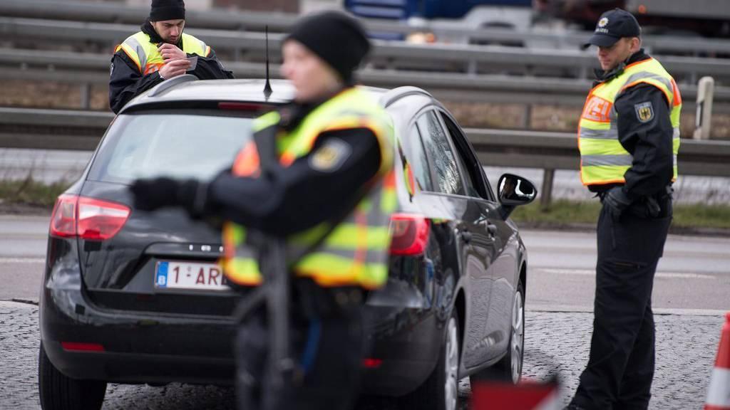 Die Polizeipräsenz ist gross nach den Anschlägen am Flughafen in Brüssel.