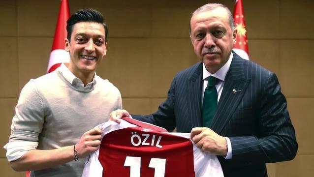 Erdogan soll mit Özil telefoniert haben.
