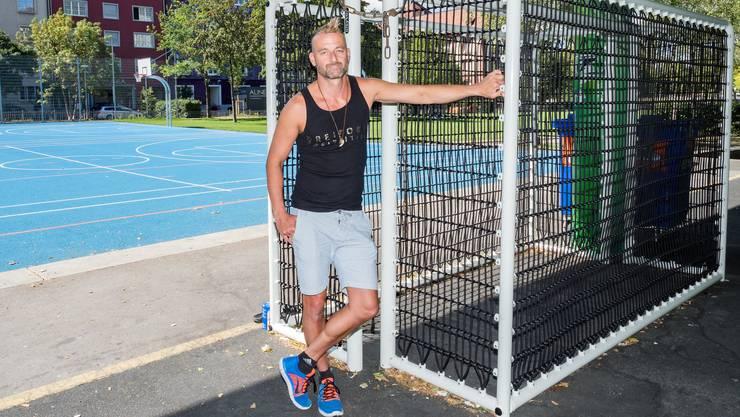 Marc Moresi sollte die 200-Kilo-Tore täglich transportieren.