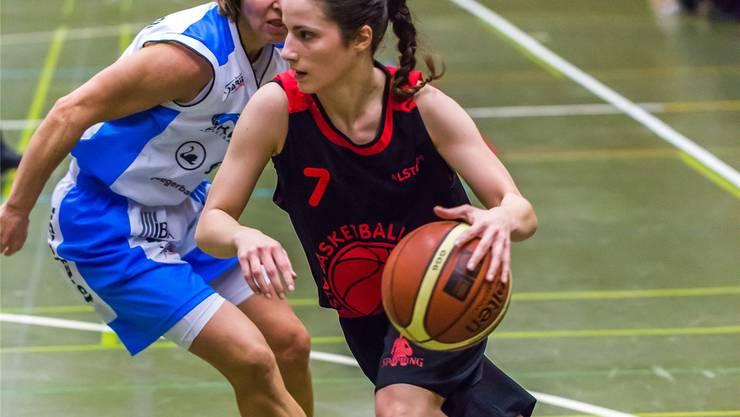 Neo-Captain Cinzia Ferrari von Alstom Baden lässt ihre Gegnerin stehen.